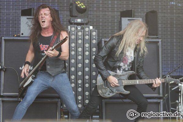 Heavy Metal Thunder - Fotos: Saxon live beim Wacken Open Air 2016