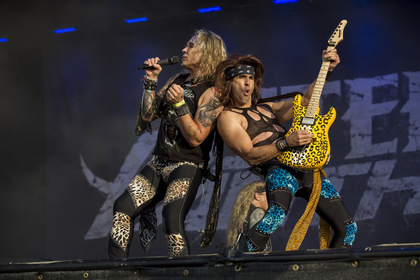 Extravagant - Fotos: Steel Panther live auf dem Wacken Open Air 2016